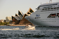 P&O Pacific Jewel leaving Sydney
